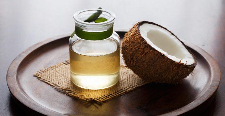 فوائد زيت جوز الهند الطبيعي للبشرة والجسم 2